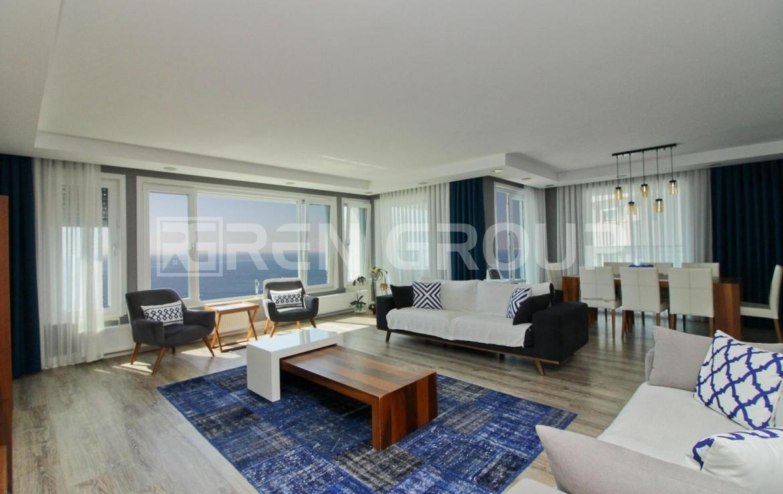 آپارتمان دوبلکس با منظره شگفت انگیز دریای مدیترانه
