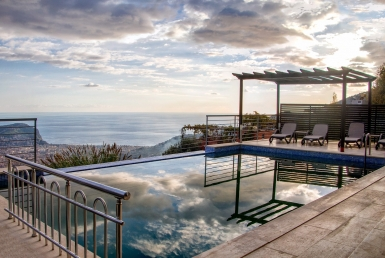 Seafront Villa with Private Pool in Alanya 4