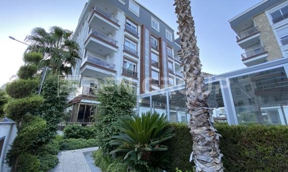 Large duplex apartment in Antalya Konyaalti for sale