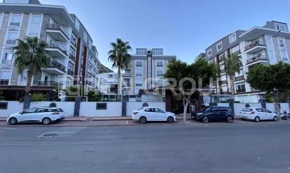 آپارتمان دوبلکس بزرگ در کنیالتی آنتالیا